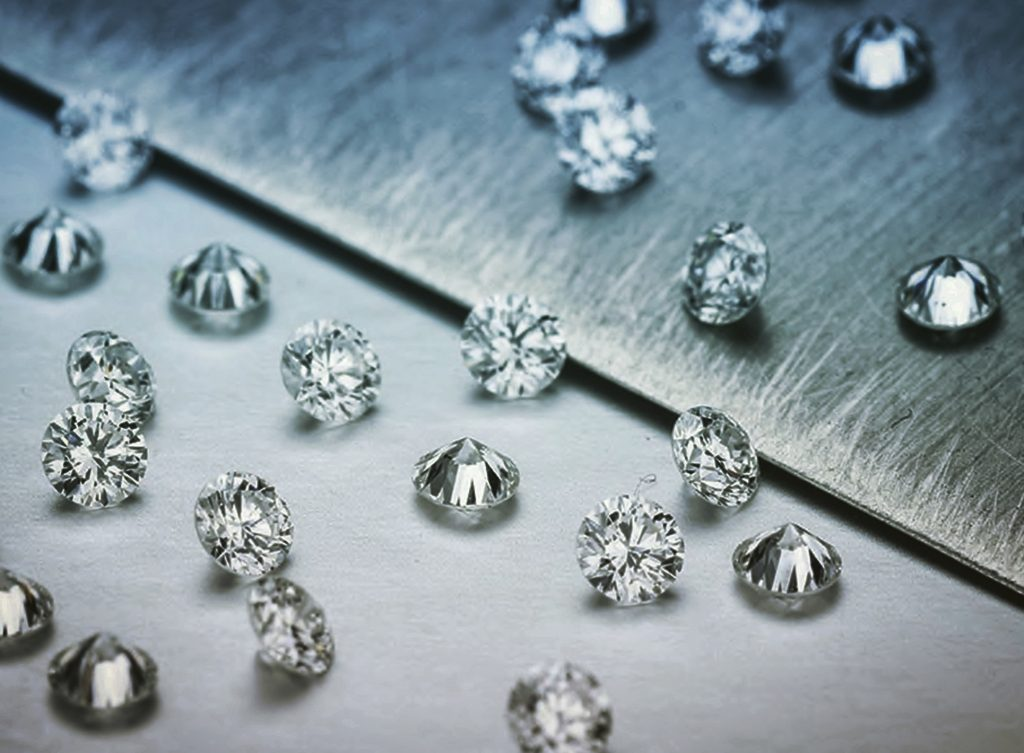 Diamenty bezbarwne