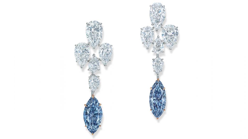 Aukcja Christie's Wyjątkowe kolczyki z naturalnymi intensywnie niebieskimi diamentami... (foto via Christie's)