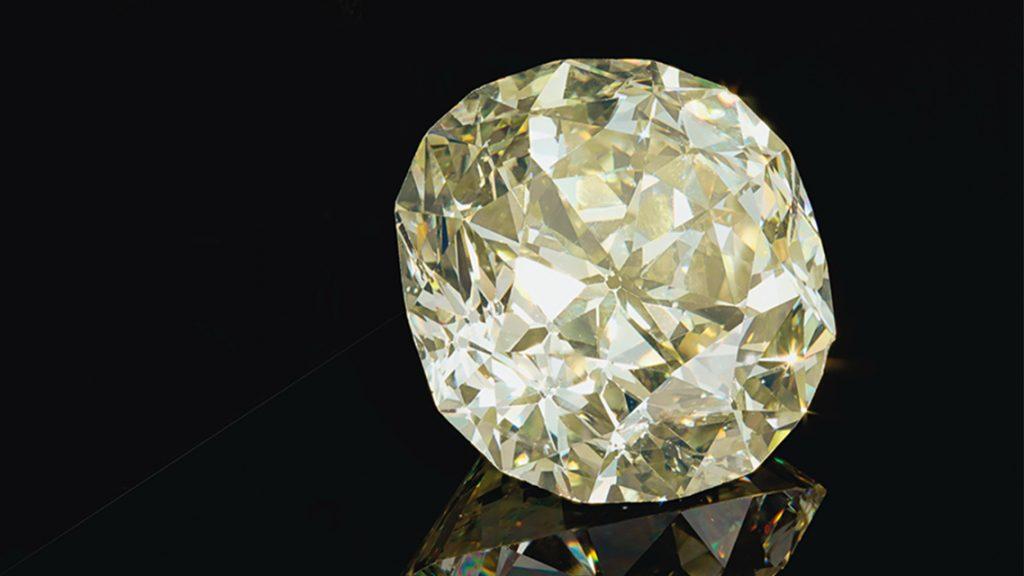 Christie's -Diament - poduszka - 102,61 ct - Y-Z / VS2 (fot. via Christie's)