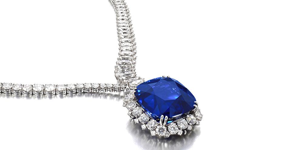 Ponad 4 miliony franków zapłacono za naszyjnik z szafirem i diamentami (via Sotheby's)